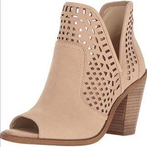 ⭐️ Jessica Simpson Cherrell Vanilla Ankle Boots 10